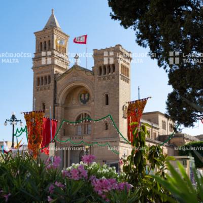 Quddiesa tal‑festa parrokkjali ta' San Pietru tal‑Ktajjen fil‑Knisja Parrokkjali ta' Birżebbuġa u kkonsagrazzjoni tal‑artal il‑ġdid – 02/08/20