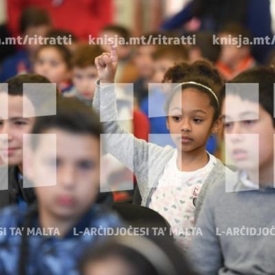 L-Isqof Awżiljarju jiltaqa' mat tfal u l-katekisti tal-parroċċa tal-Imtarfa waqt il-Viżta Pastorali – 30/03/19