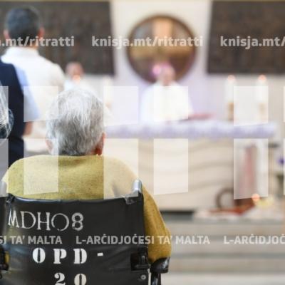 L-Isqof Awżiljarju jiċċelebra Quddiesa mal-pazjenti u l-istaff tal-Isptar Mater Dei – 12/04/19