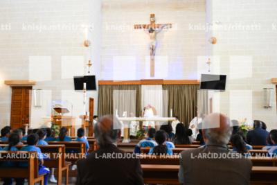 Quddiesa li tinkludi s-Sagrament tal-Magħmudija, fil-knisja ta' San Ġużepp Ħaddiem, Birkirkara – 13/05/10