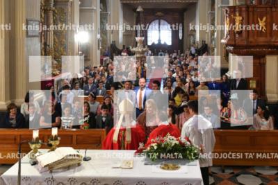 L‑Isqof Awżiljarju jiċċelebra Quddiesa fil‑knisja parrokkjali ta' Ħal Għargħur li fiha jamministra s‑Sagrament tal‑Griżma tal‑Isqof – 02/06/19