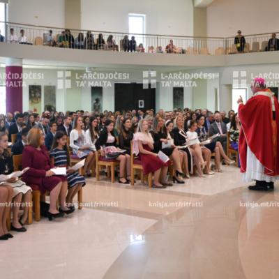 L-għoti tas-Sagrament tal-Griżma lill-adolexxenti li jattendu l-iskola ta' San Anton, fis-Santwarju tal-Ħniena Divina, in-Naxxar – 16/11/19