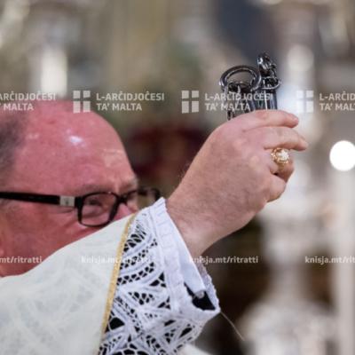 L-Arċisqof iċċelebra Quddiesa li fiha Fr David Cilia ingħata l-pussess, fil-Knisja Parrokkjali ta' San Pawl Nawfragu, il-Belt Valletta – 18/01/20