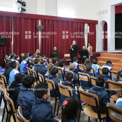 Viżta Pastorali Fleur-de-Lys: L-Isqof Awżiljarju ltaqa' mal-istudenti u l-istaff tal-iskola primarja – 23/01/20