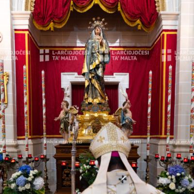 L-Arċisqof iċċelebra quddiesa fil-festa tal-Imqaddsa Verġni Marija tad-Duluri, fil-Knisja Parrokkjali ta' Marija Addolorata, San Pawl il-Baħar – 15/09/20
